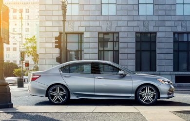 2016 Honda Accord V6 Sedan Review - More of a Family Sedan