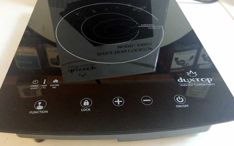 DUXTOP 1800-Watt Portable Induction Cooktop Countertop Burner Promotes Power and Reliability