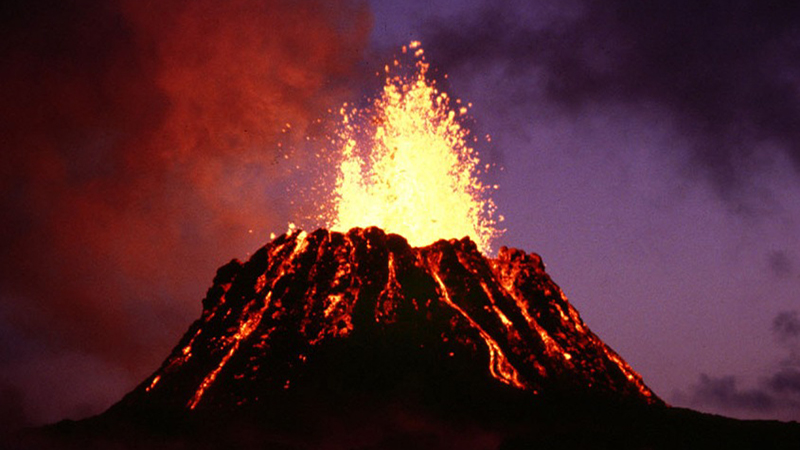 Hawaii - Lava From Most Active Volcano Reaches Ocean