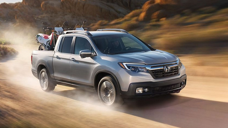 2017 Honda Ridgeline AWD Review - A League of its Own