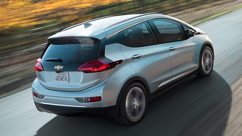 2017 Chevrolet Bolt Review - Has the Range But Not the Price Tag