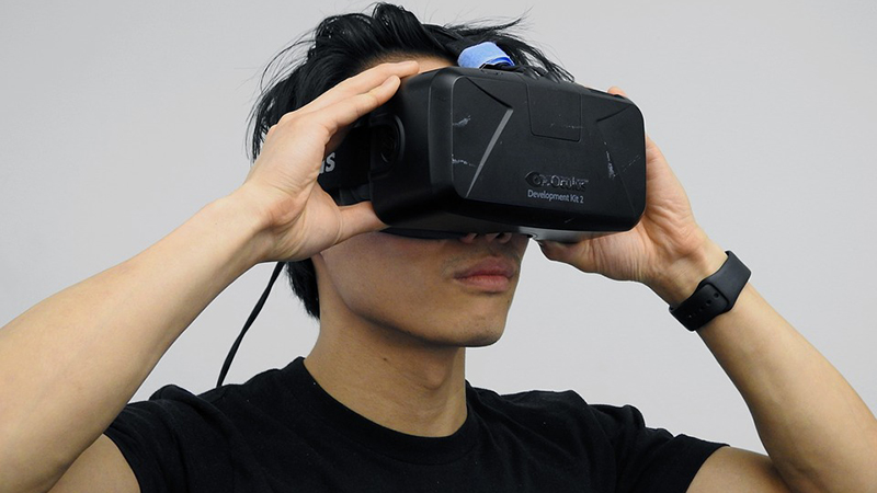 Virtual Reality - Challenges Faced by the Growing Sector