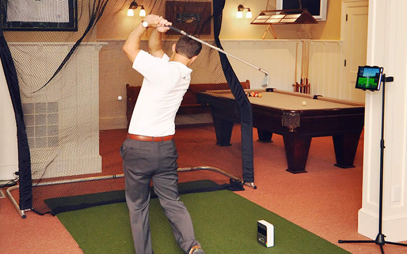 Skytrak Golf Simulator - Home Practice